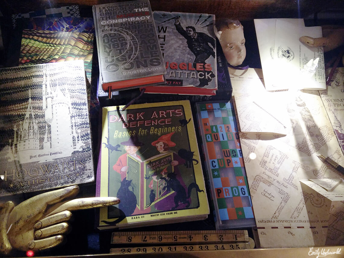 house-of-minalima-props