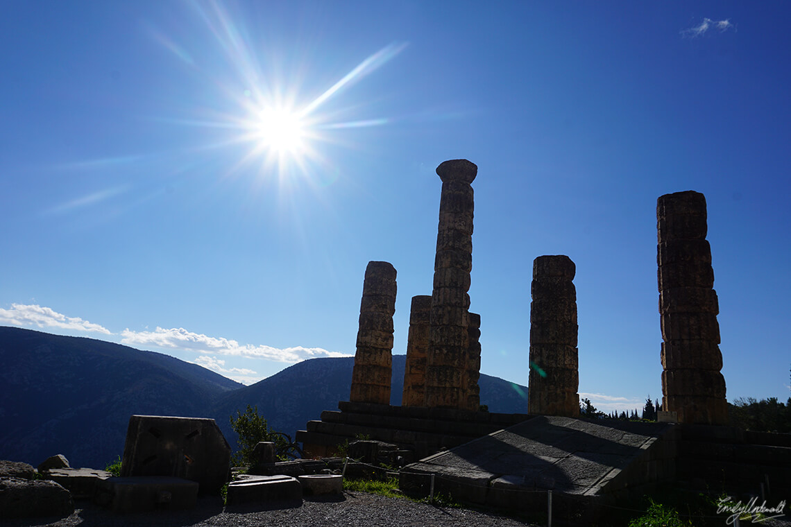 temple-apollo-delphi